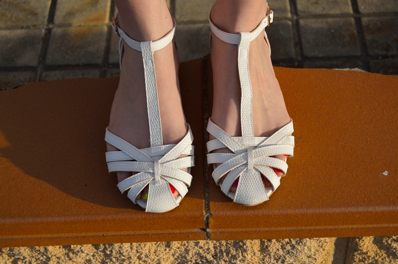 lara-vazquez-madlula-blog-white-shoes-spring-details