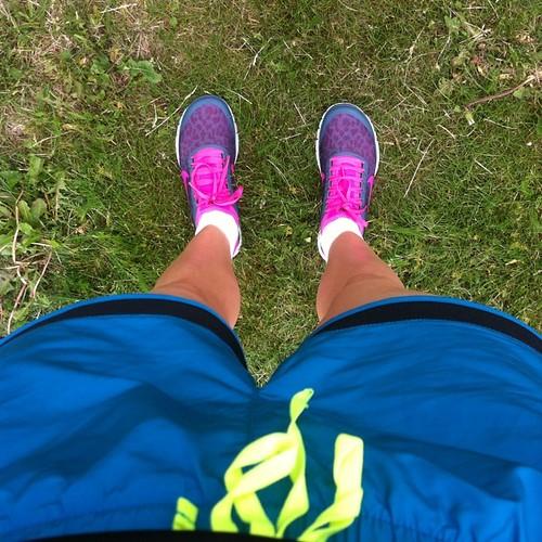 Jag har köpt jättesmå skor och jättestora shorts! #neonlifestyle