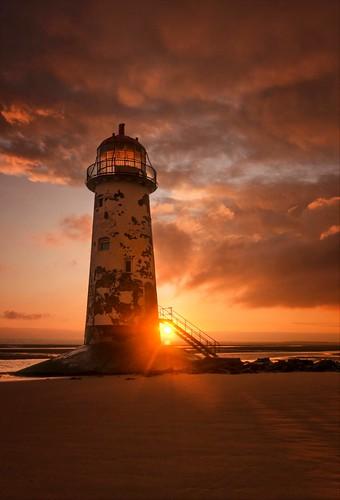 sunrise sunburst northwales graduatedneutraldensityfilter talacrebeach talacrelighthouse sigma1020mmf4 1millionviews nikond7000 deeestaury