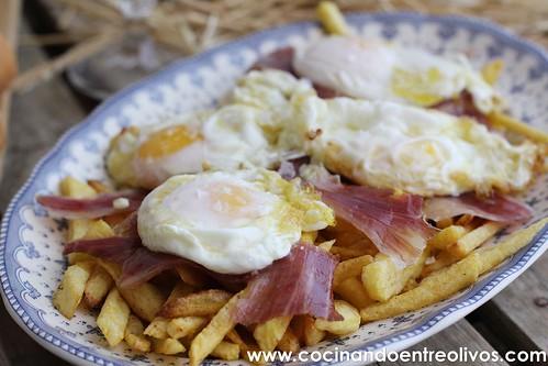 Huevos rotos con jamón www.cocinandoentreolivos (8)