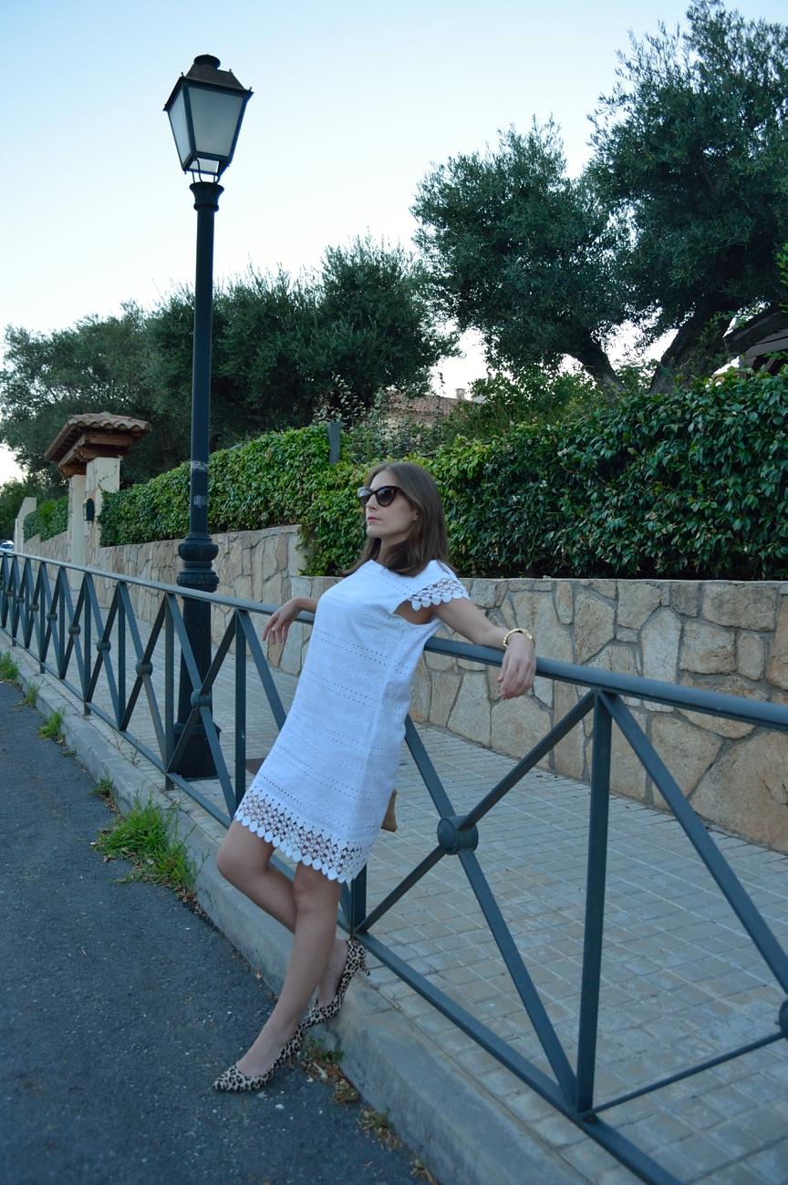 lara-vazquez-mad-lula-fashion-style-streetstyle-white-dress-look