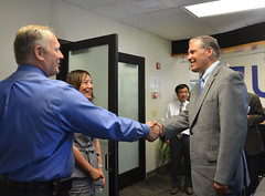Governor Inslee toured UniEnergy Technologies, a company that engineers and manufactures energy storage systems