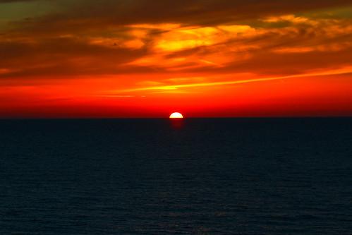 sunset sea orange beach clouds israel telaviv seascapes horizon orangesky redsunset orangesunset cloudysunset telavivbeach horizonbeach theendoftheshow theendoftheshowtelavivbeach