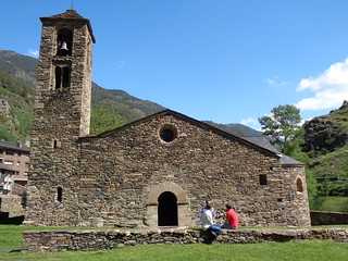 Más de cuarenta iglesias románicas.