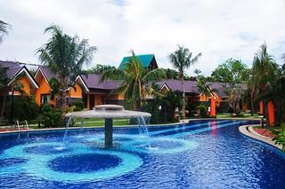 88-hotspring-resort-pool