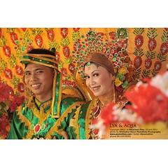 This is about smile and happiness ;) :)   Aqsa+Lia #wedding #bugis #indonesianwedding | #weddingceremony at #pekanbaru #riau   #weddingphoto by @poetrafoto #indonesianweddingphotographer