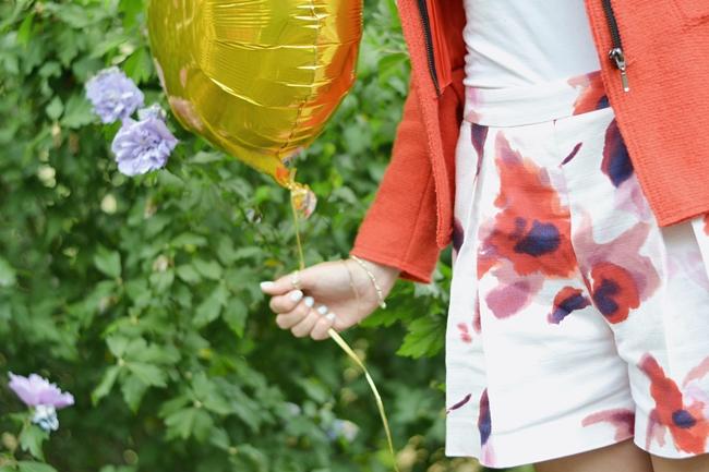 Outfit Wie ein einzelner goldener Ballon (8)