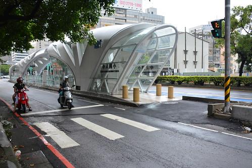 BRT中正國小站