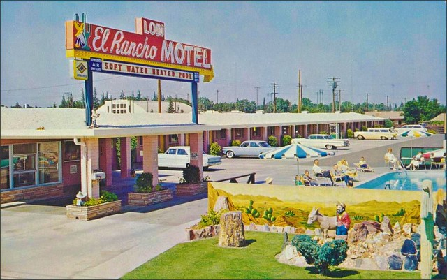 El Rancho Motel postcard - Lodi California U.S.A. - date unknown