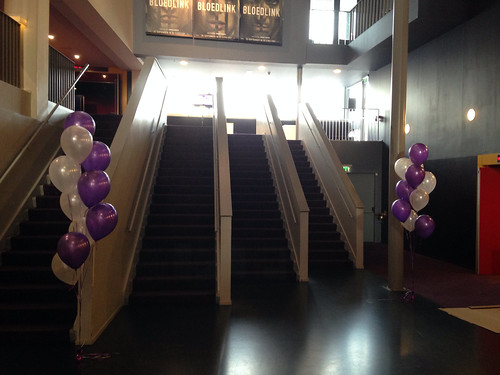 Tafeldecoratie 10ballonnen Gronddecoratie Pathe De Kuip Rotterdam Disney Violetta