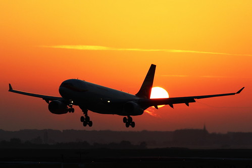 brussels sunrise airport airlines hainan a330