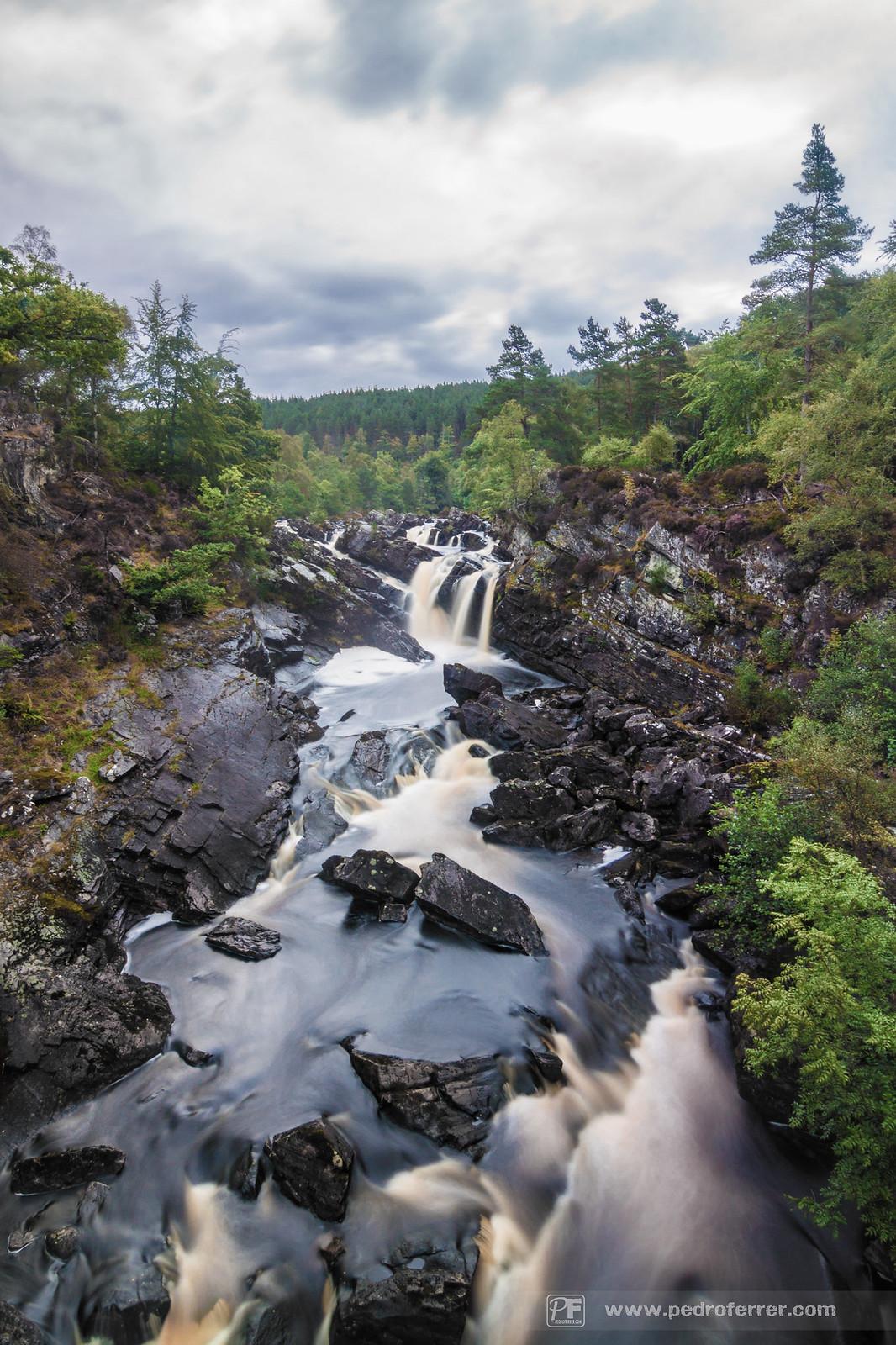 Eas Rothagaidh ¿cómo?. Si, las Rogie falls, en gaélico