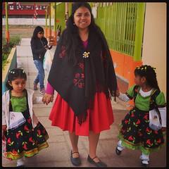 En compañia de mis pequeñas estudiantes del taller de aymara #yoamoserprofesora