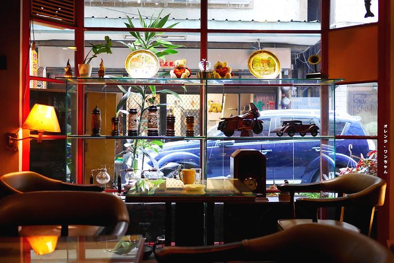 15317359375 e88db707aa c - 華泰咖啡‧餐飲 │中區:台中曼巴咖啡創始店~走進三民路二段18巷的1984年