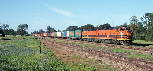 CLP8 and CLP17, on 6SA4, Caragabal, Stockinbingal to Parkes Line, NSW, 29th September, 2001