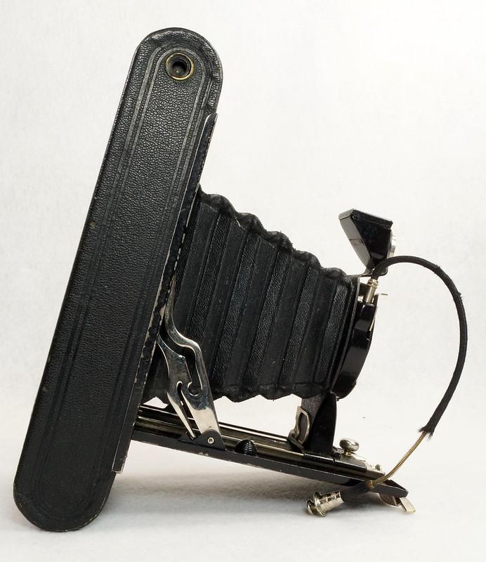 RD14615 Vintage Kodak Hawkeye No 2A Model B Folding Cartridge Camera with Leather Carry Case DSC06529