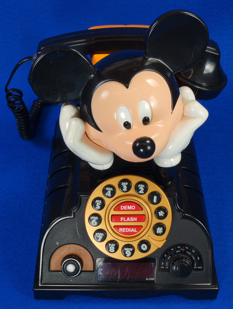 RD14898 Rare Vintage Mickey Mouse Talking Alarm Clock Radio Telephone DSC06892