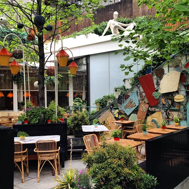 I'm in love with this outdoor patio in the #EastVillage #NYC - totally reminds me of the eclectic taste at Life Alive in Lowell.