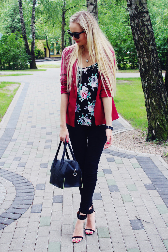 cherry-red-blazer-with-floral-print-top