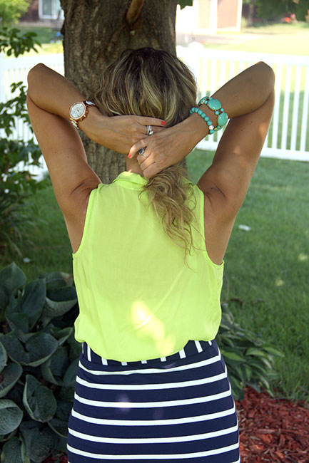 Back-view-holding-my-hair