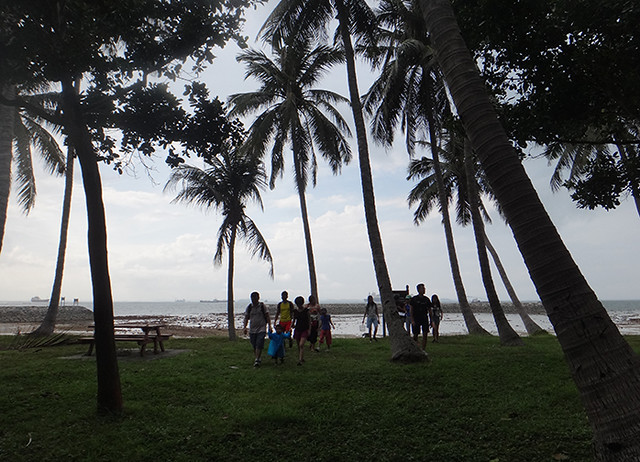 Public walk at Sisters Island Marine Park (15 Aug 2014)