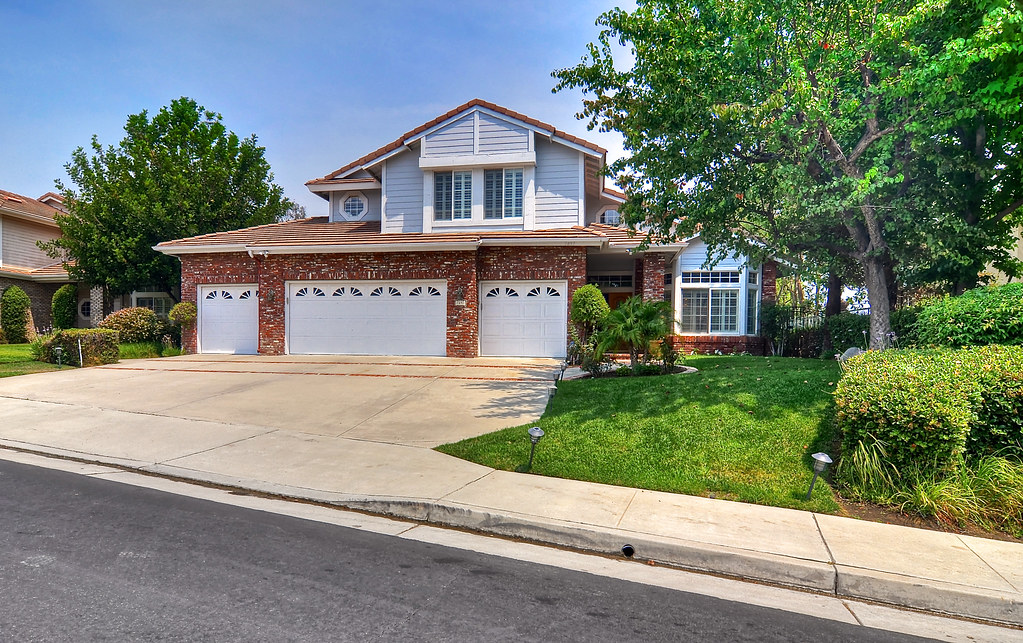 7697 E Bridgewood Drive | Open House Sun 8/3 from 1-4 pm