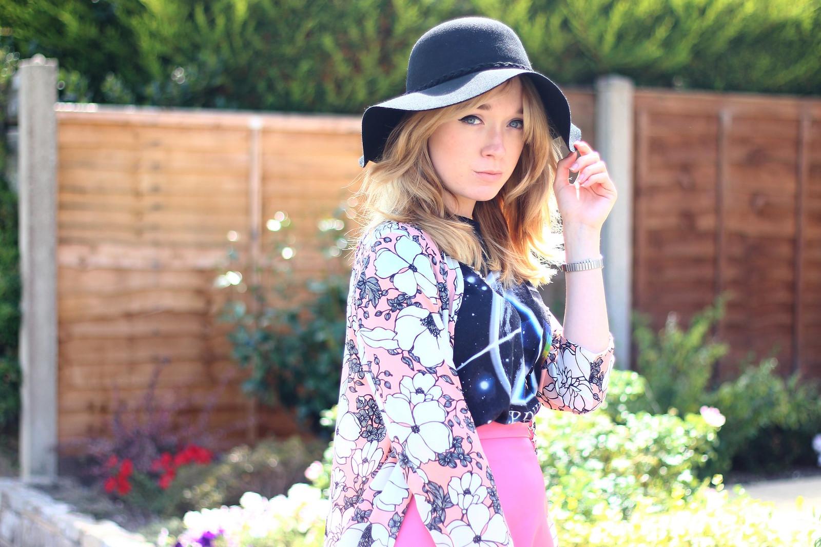 3pinkfloydtee, band tee pink skirt outfit, style, boho