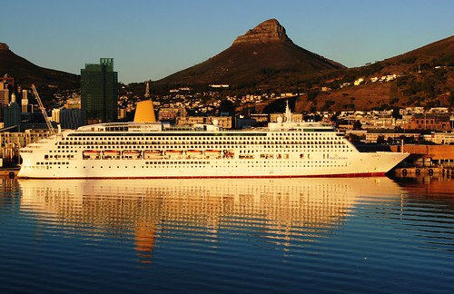 reflection sunrise capetown aurora po cruises lionhead cruisership