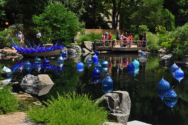 Chihuly 'Blue and Purple Boat' (7)