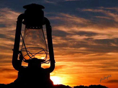 sunset españa cloud color luz fotosencadenadas clouds atardecer spain espanha europa tramonto kenya eu nubes puestadesol silueta farol cristal espagne ocaso spanien spagna encanto pedraza nwn hispania hispanio nuvoli ισπανια nuvile pibepa premiadadesafiocualquiercosa