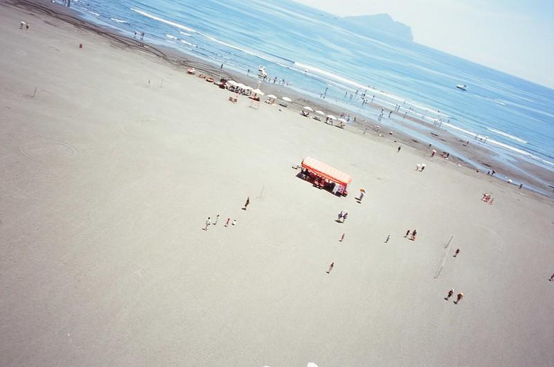 飛行傘 + 龜山島 + 沙灘