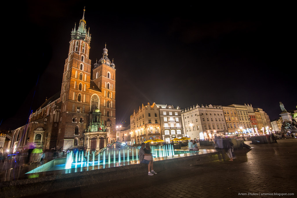 Krakow at night-13.jpg