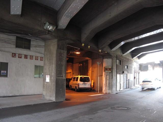 大阪 中津高架下建築 (1)