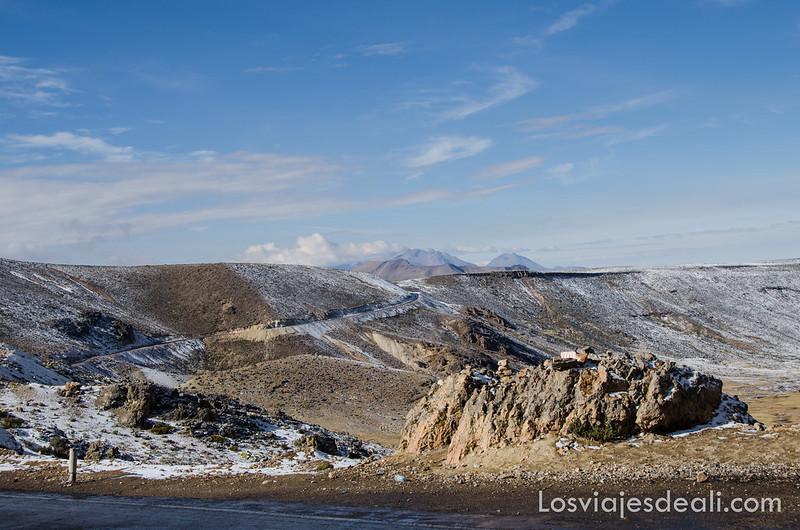 altos de Chivay de camino a la Península de Capachica
