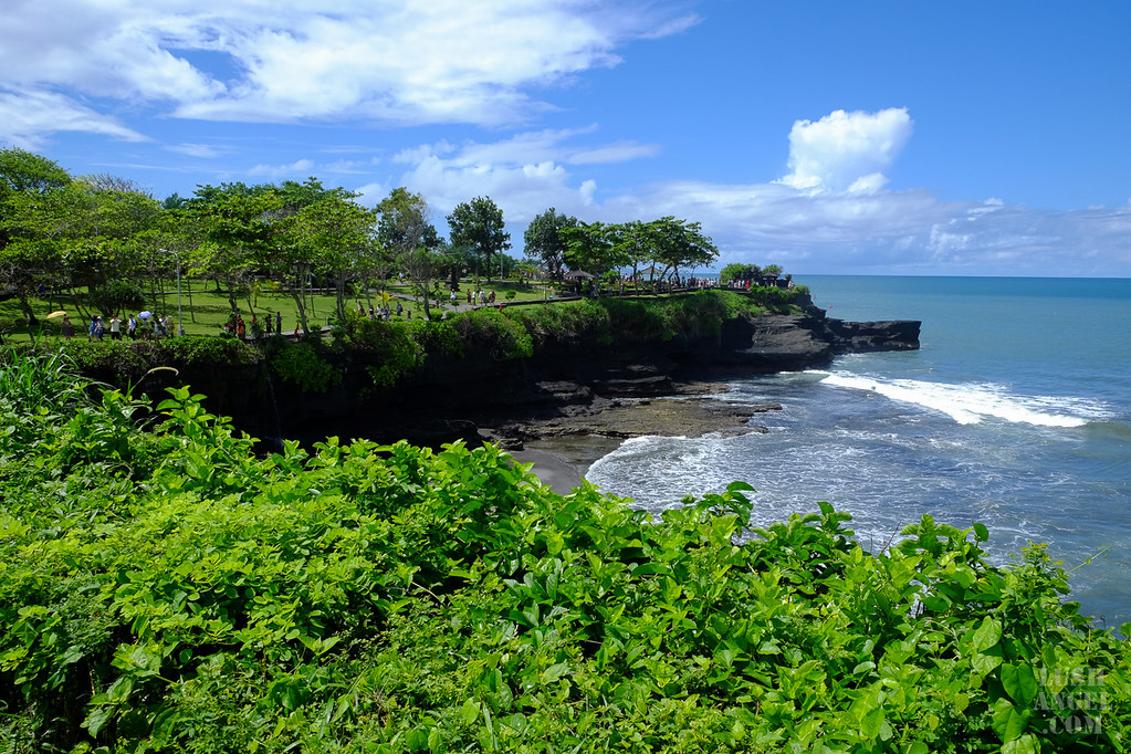 tanah-lot-beach