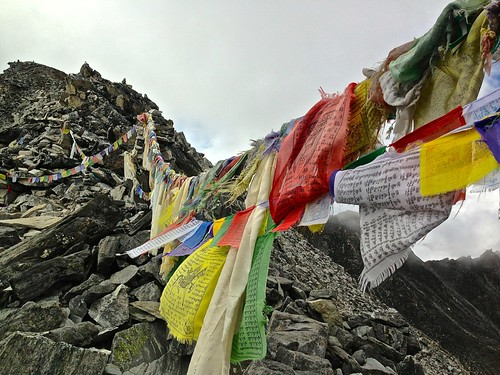 Prayer flags of Kongma La Pass