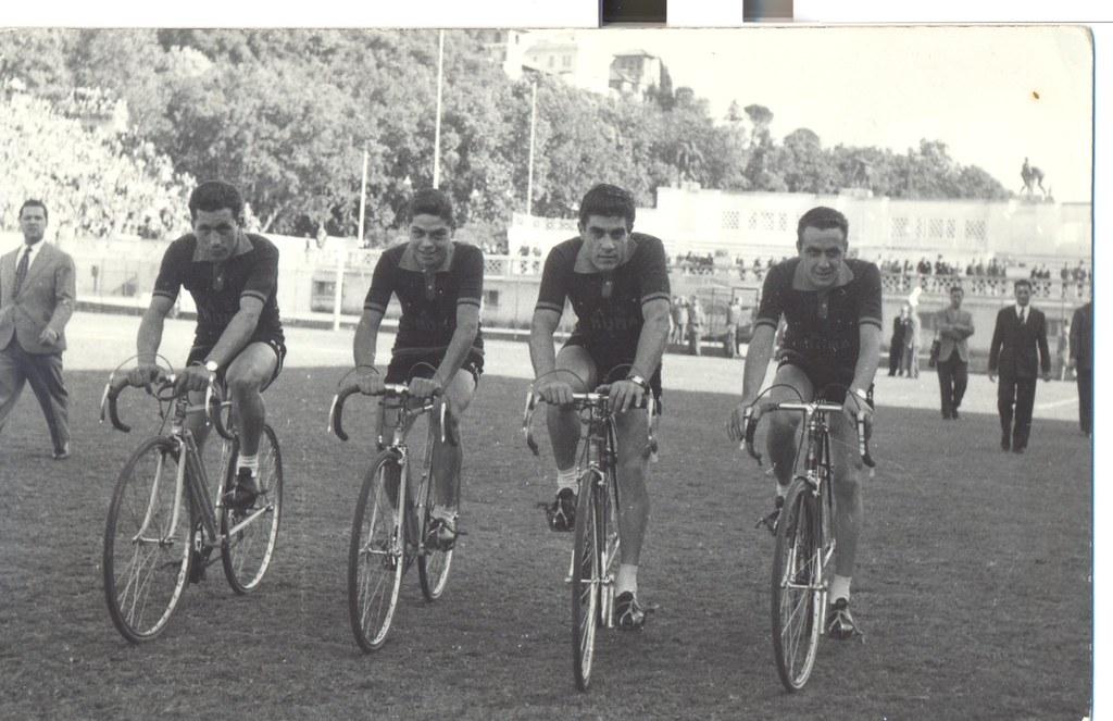 Stadio Torino di Roma, prima del giro d'onore....Da sinistra: Bruno Monti, Elio Imperi, Luciano Ciancola, Romano Mazzoni