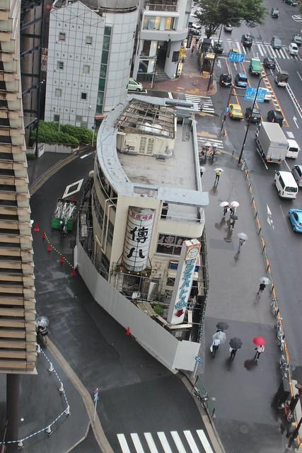 土浦亀城作の三原橋センター解体中 (24)