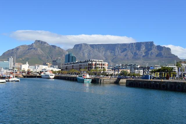 Tafelberg von der Victoria & Alfred Waterfront aus