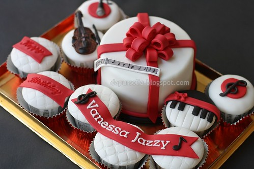 Cupcake Set with Musical Theme
