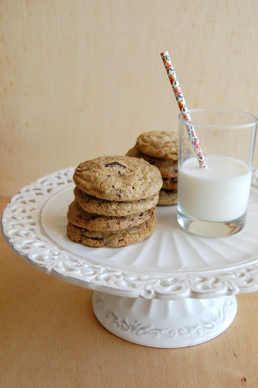 Milky Way and chocolate chip cookies / Cookies de Milky Way e chocolate amargo