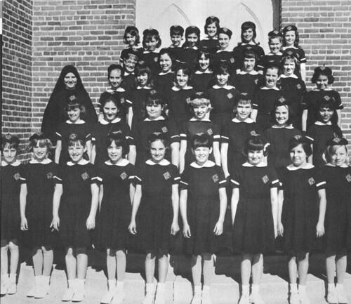 Villa Cabrini nun with students 1960's Burbank CA
