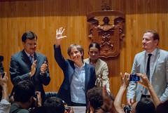 Carmen Aristegui recibe el galardón 'Corazón de León' ⑱