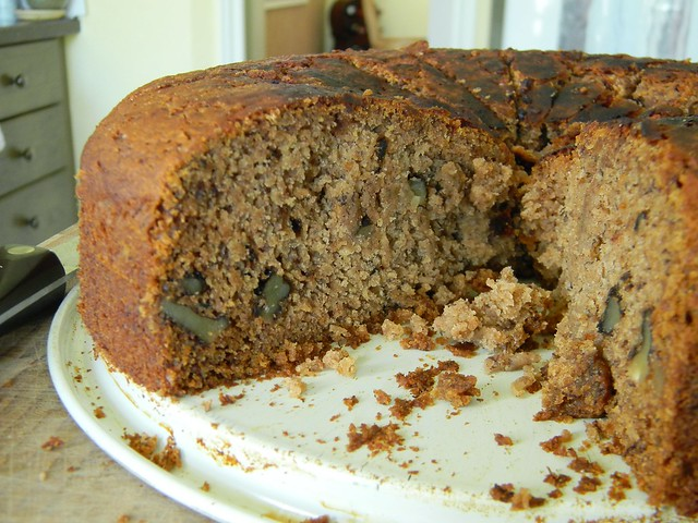 Moist Banana Walnut Cake Recipe