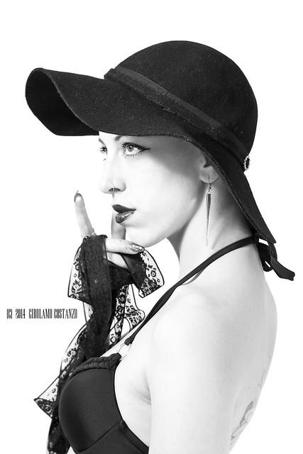 Kylie - Amol Maga