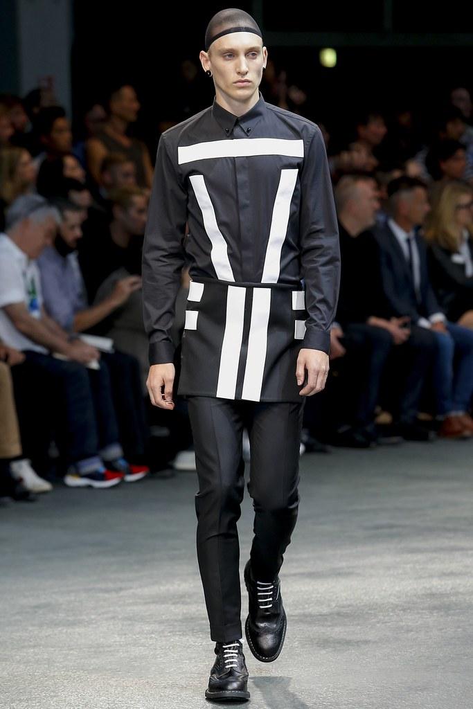 Jeroen Smits3141_SS15 Paris Givenchy(VOGUE)