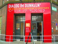 Dialog im Dunkeln Eingang