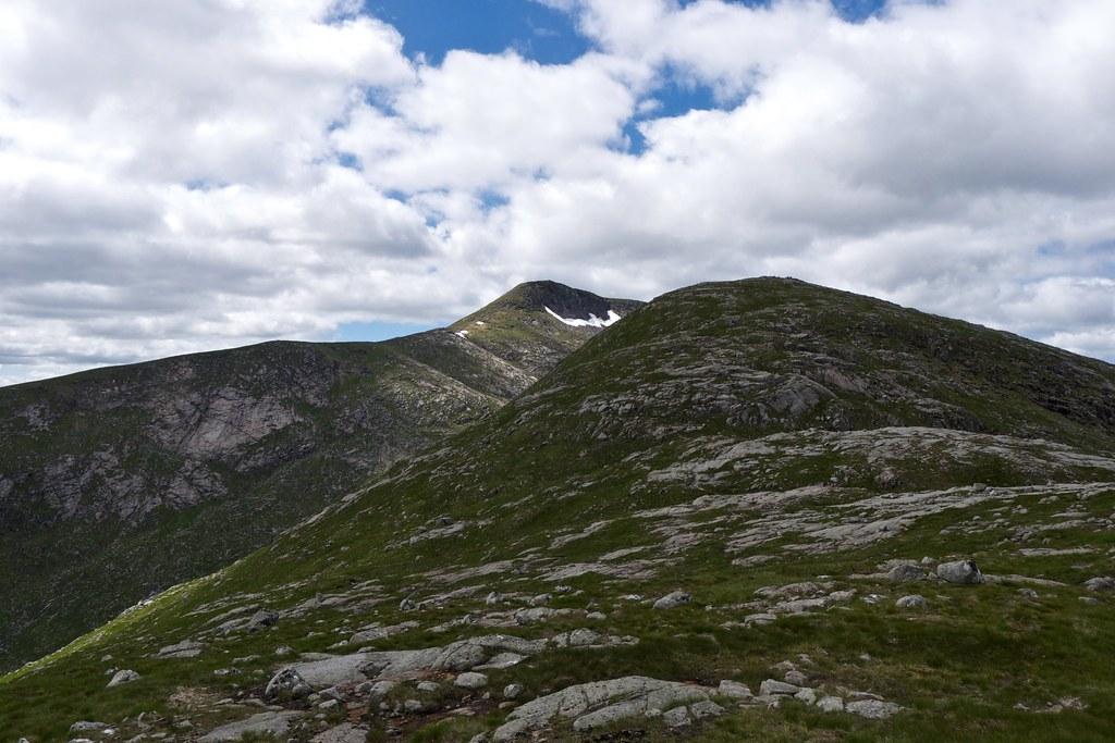 Stob Coir'an Albannaich and Meall Tarsuinn