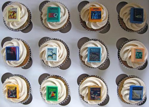 """""""Textbook"""" cupcakes"""