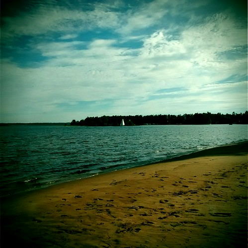 lighthouse beach bay mobilephone soo saultstemarie cellphonecamera thesoo stmarysriver retrocamera saultstemarieon pointeauxpins fudgecan pointelouise